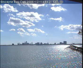 Wannman.Cam Biscayne Bay Cam webcam view over sunny Miami